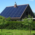 Paneles fotovoltaicos en una casa