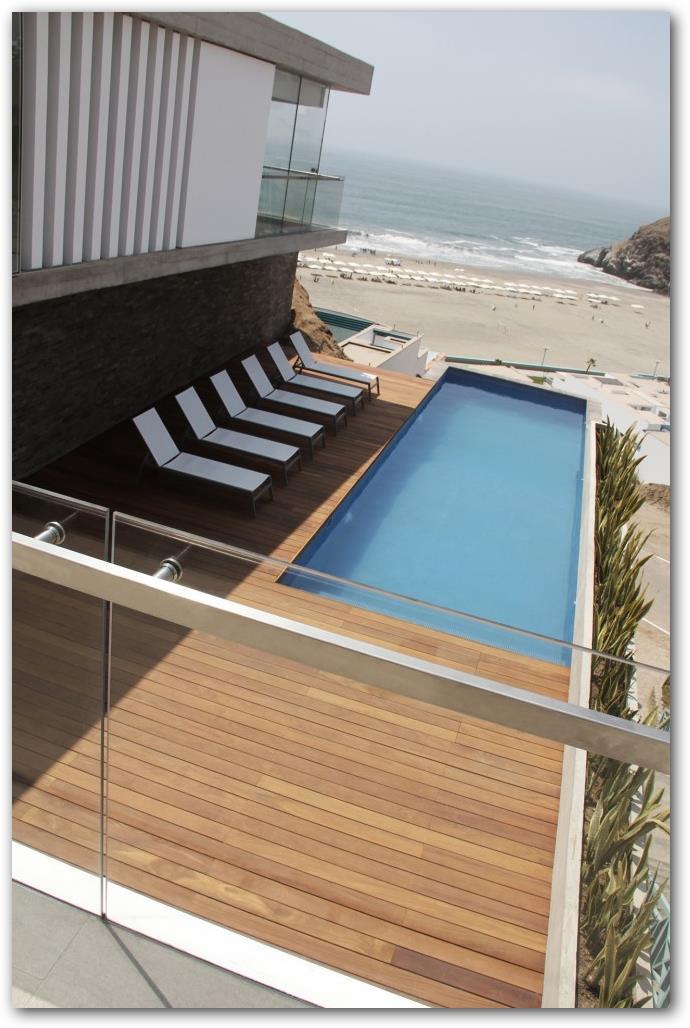 casa de lujo en playa con piscina