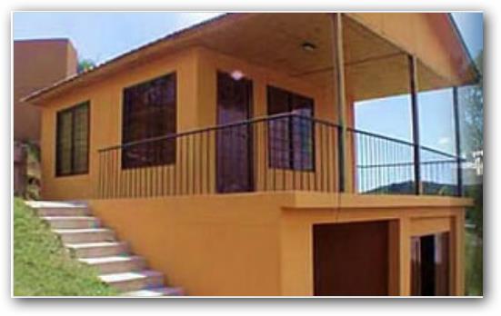 Fachadas de casas de dos pisos elegantes pequenas for Pisos elegantes para casas