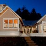 Plano de casa moderna de 4 habitaciones con 2 alas