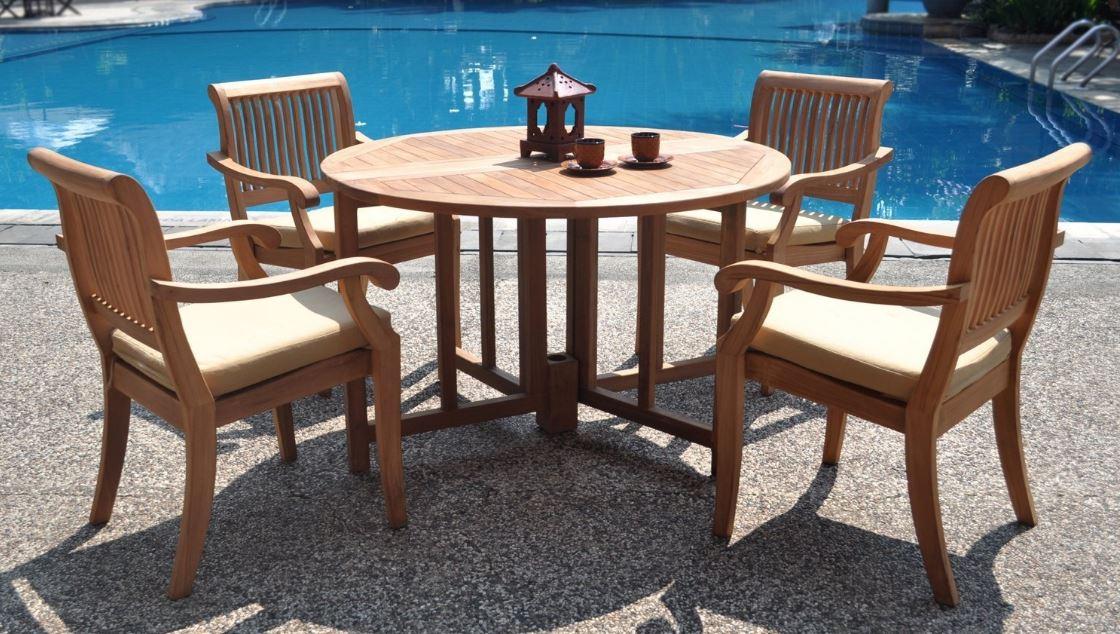 Muebles para jardin exterior con piscina
