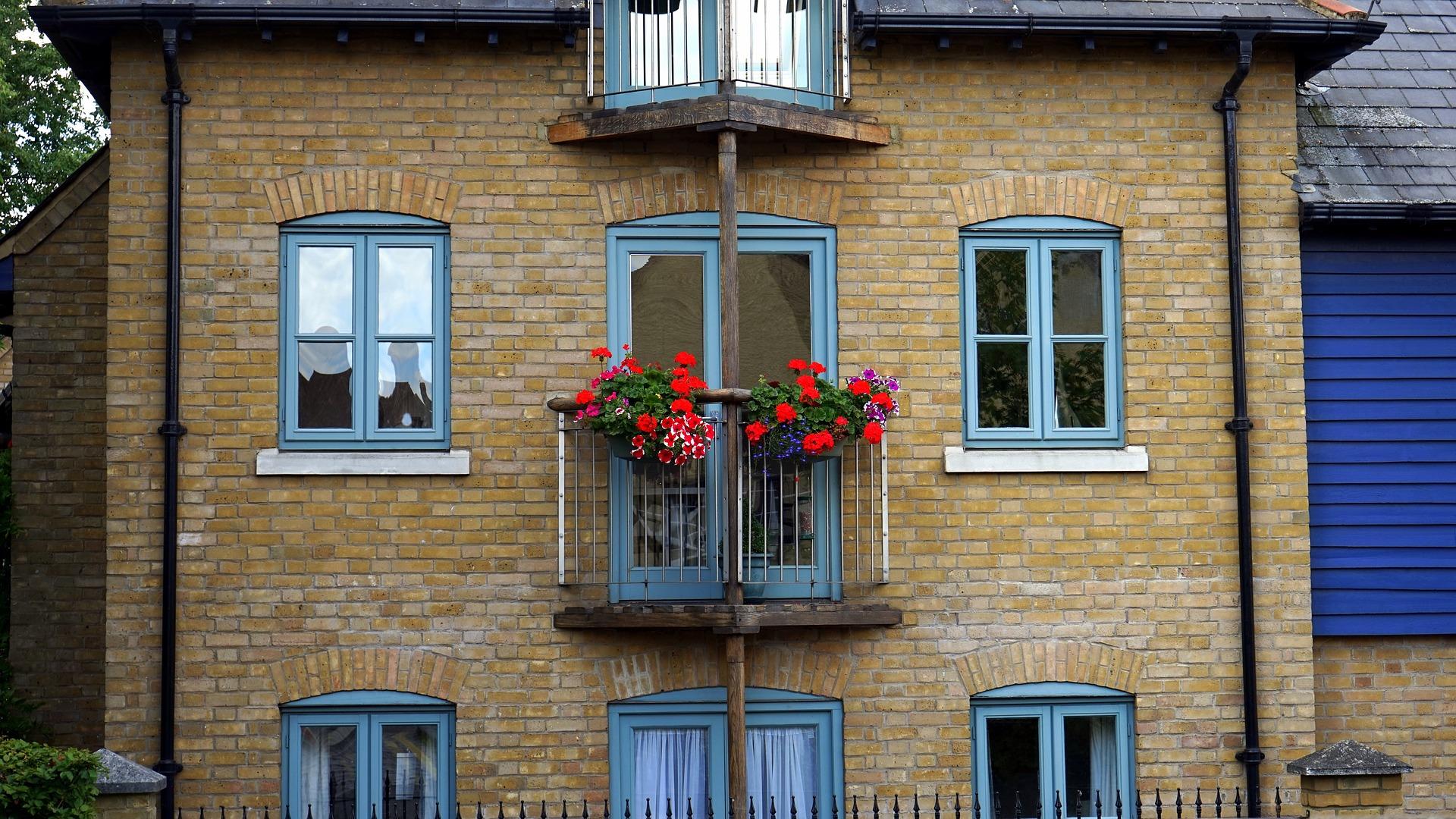 Medidas m nimas para un balc n for Como cerrar un balcon