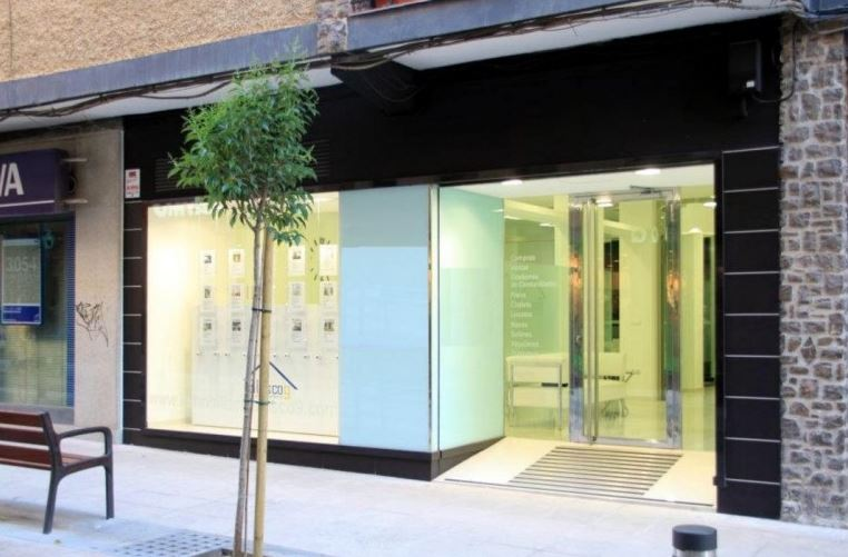 diseño fachadas locales comerciales