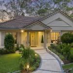 Imagen de casas modernas con jardin adelante y atras