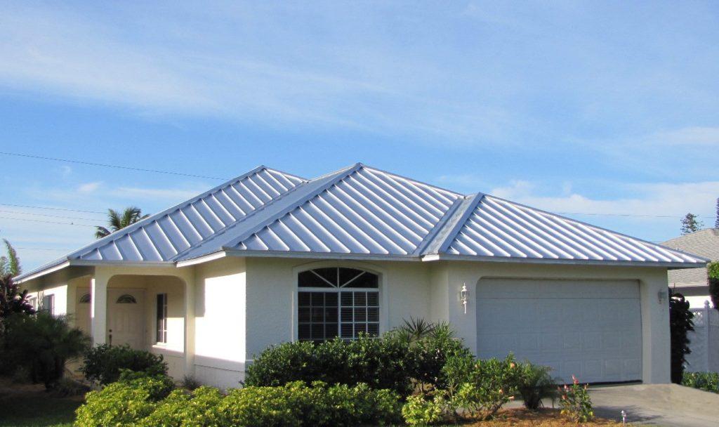 imagenes-de-fachadas-de-casas-sencillas-de-techos-de-lamina