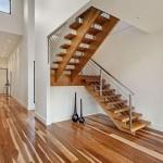 Como ubicar una escalera en una casa plano