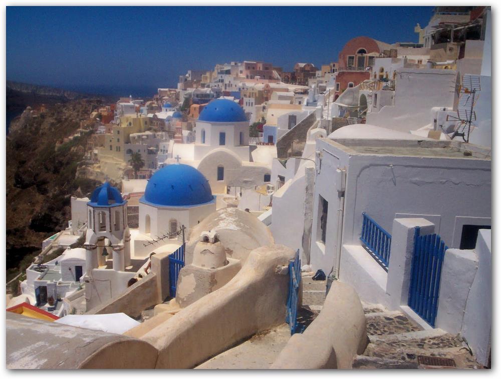 Costas griegas con casas típicas de la región