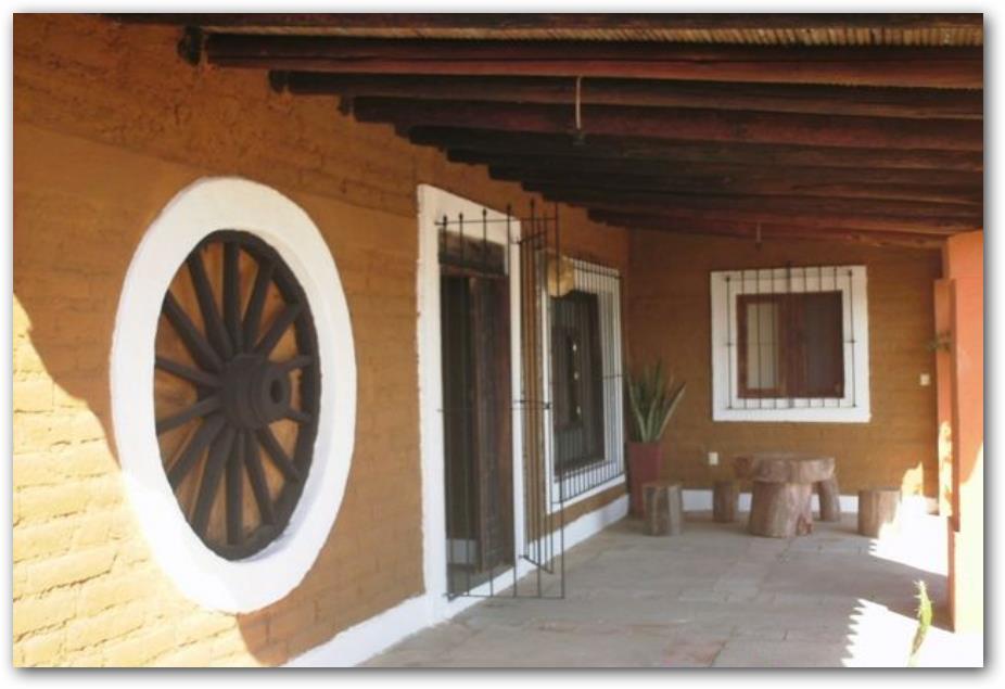 decoración de casa de adobe